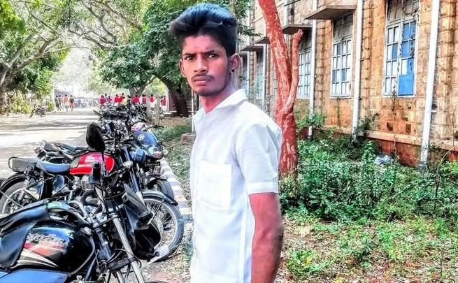 Gang attacked college studet in sivagangai - tamilnaduflashnews.com