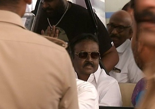 Vijayakanth came to chennai and reached home