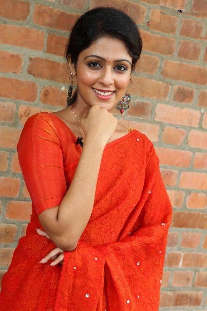 Malavika Wales Unseen Latest-Hair-Style-Images - tamilnaduflashnewscom 04