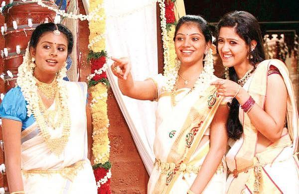 Kerala-Nattilam-Pengaludane